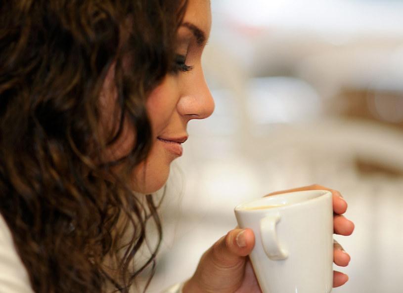 Kawa na rozbudzenie i... figurę /123RF/PICSEL