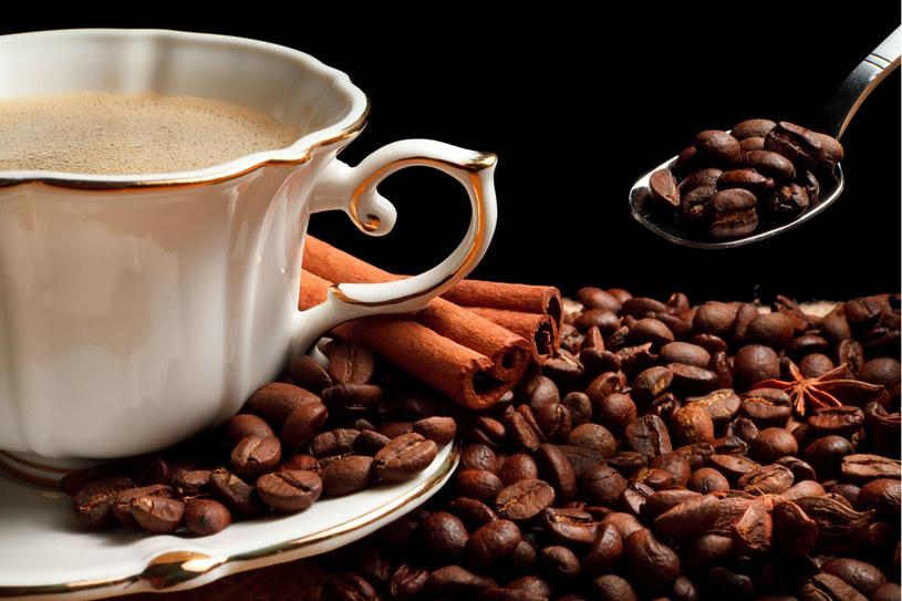 Kawa poprawia humor i zapobiega chorobom serca /©123RF/PICSEL