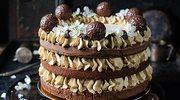 Kawowy tort brownie ze śliwkami kalifornijskimi