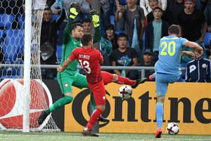 Kazachstan - Polska 2-2. Fabiański: To bardzo boli