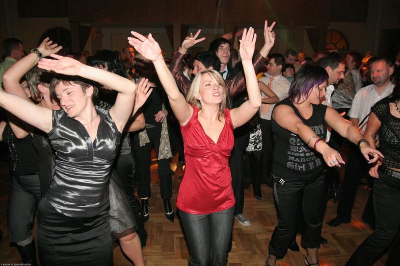 Każda godzina spędzona na koncercie disco polo odmłodzi cię o miesiąc /Adrian Ślazok /Reporter