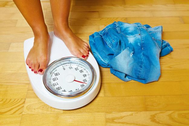 Każdy chciałby schudnąć szybko, skutecznie i najlepiej bez wyrzeczeń. /©123RF/PICSEL