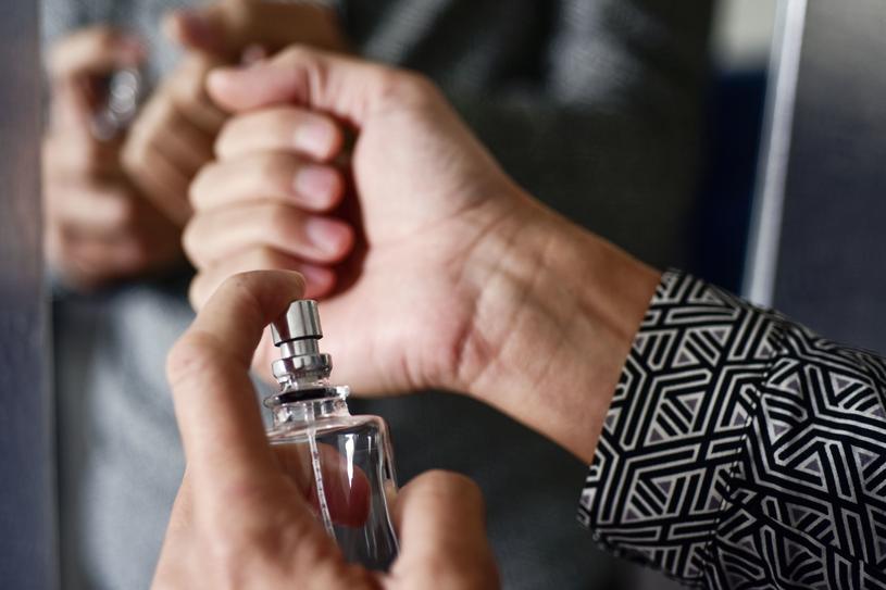 Każdy skomponowany zapach składa się z trzech podstawowych elementów, które w kolejnych fazach oddają swój aromat /Pixel