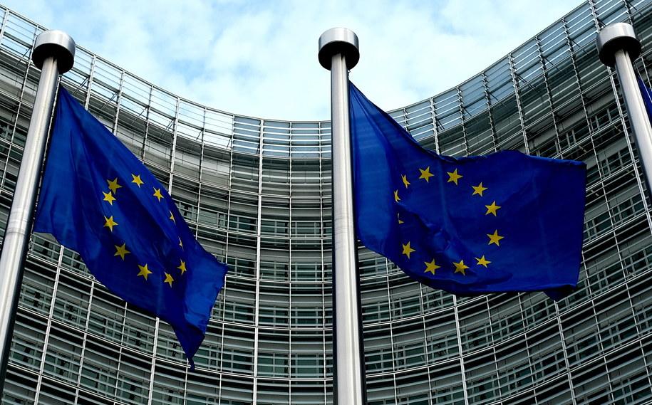 KE zdecydowała o uruchomieniu art. 7 traktatu unijnego wobec Polski /Darek Delmanowicz /PAP