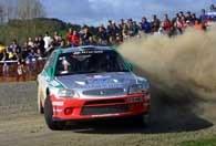 Kenneth Eriksson (Hyundai Accent WRC) na trasie pierwszego OS-u