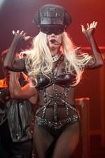 Keri kontra Lady Gaga. Która lepiej wygląda na scenie?