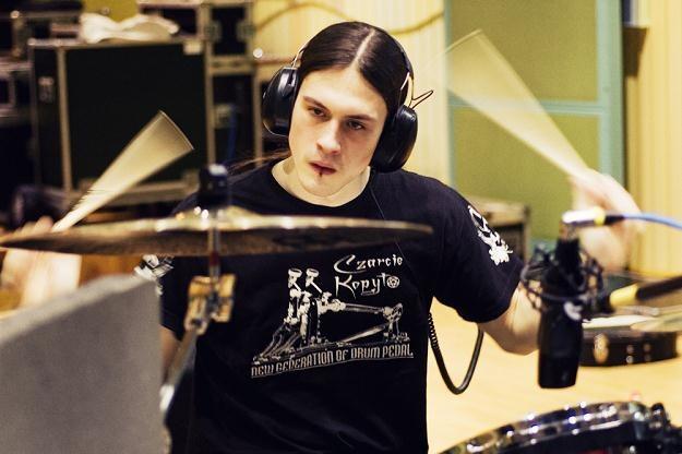 Kerim Lechner (Decapitated) podczas nagrań w studiu Radia Gdańsk /fot. Katarzyna Sójka