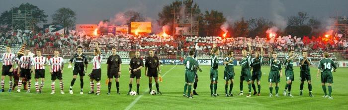 Kibice Cracovii - Fot.: Mediasport (klikniji, aby powiększyć) /