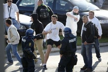 Kibice Legii przed meczem z Broendby starli się z policją. /AFP