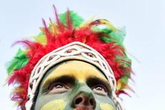 Kibice wspierają piłkarzy. Tak kolorowo było na Stade Vélodrome