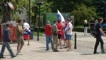 Kibice z Rosji na ulicach Warszawy
