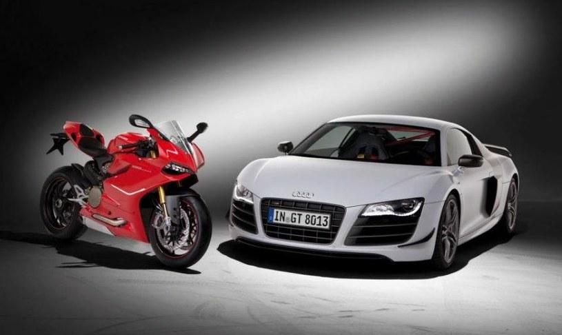 Kiedy Audi przejęło Ducati w 2012 roku, rozpoczęło akcję promocyjną zestawiając włoskie motocykle ze swoimi najmocniejszymi modelami /