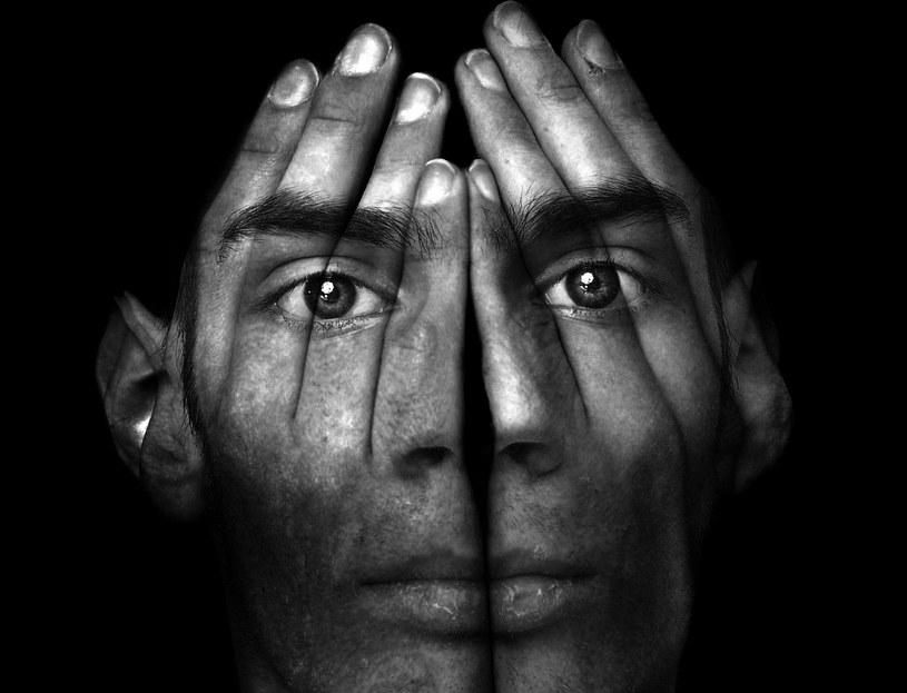 Kiedy chorujesz na schizofrenię, nadrzędnym problemem jest niezdolność do określenia, czy to, co się aktualnie dzieje, rzeczywiście ma miejsce w rzeczywistości. /123RF/PICSEL