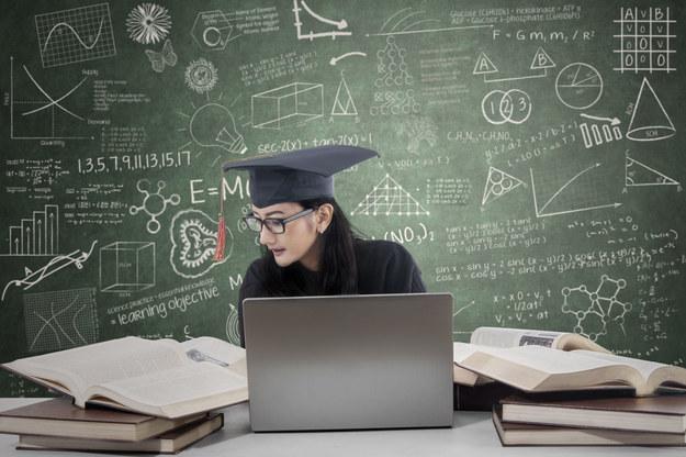 Kiedy inwestycja w edukację się nie opłaca? /123RF/PICSEL