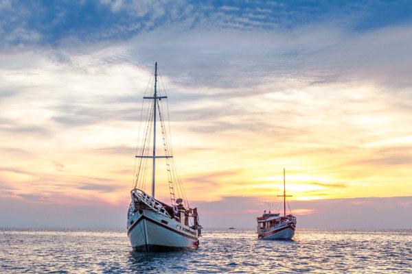 Kiedy jestem na łodzi na Komodo, wstaję w okolicach wschodu słońca i robię mu tysięczne zdjęcie /Ola Liana /Tekst: Zgubsietam.pl