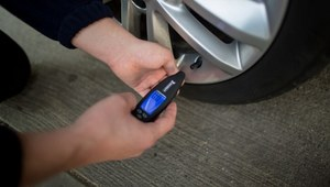 Kiedy ostatnio sprawdzałeś ciśnienie w oponach?