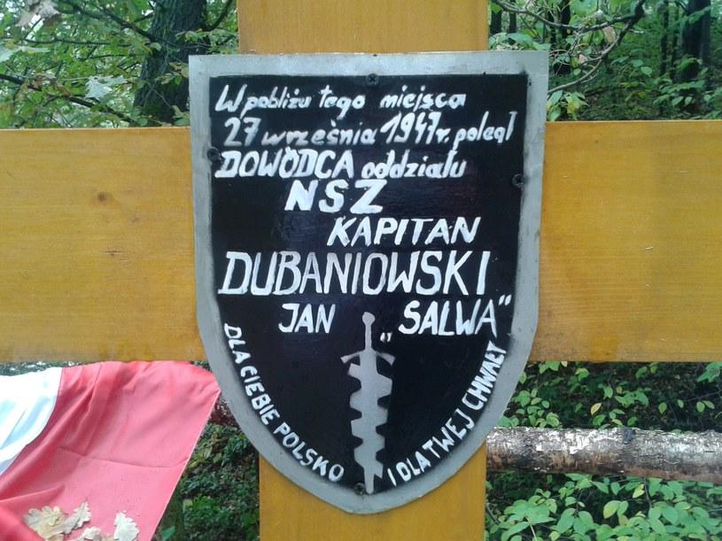 """""""Kiedy przeskakiwał płot dosięgła go kolejna kula. Upadł przy potoku"""" /Dariusz Jaroń /INTERIA.PL"""