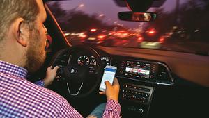 Kiedy telefon w samochodzie staje się śmiertelnym zagrożeniem