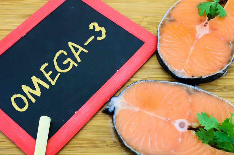 Kiedy w diecie występuje np. zbyt dużo kwasów omega-6, a za mało omega-3 nasz organizm narażony jest na przewlekły, utajony stan zapalny /©123RF/PICSEL