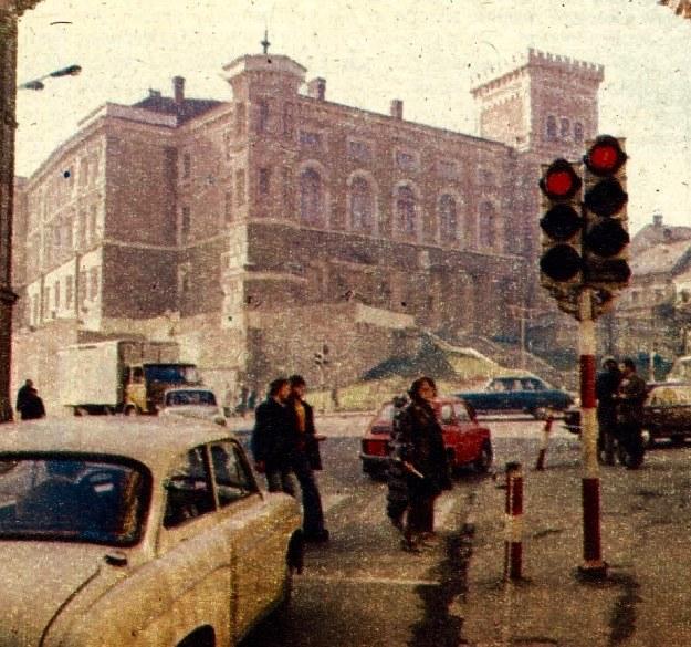 Kiedy wyburzono starą zabudowę śródmieścia, zamek bielski ujawnił się w całej krasie. /Motor