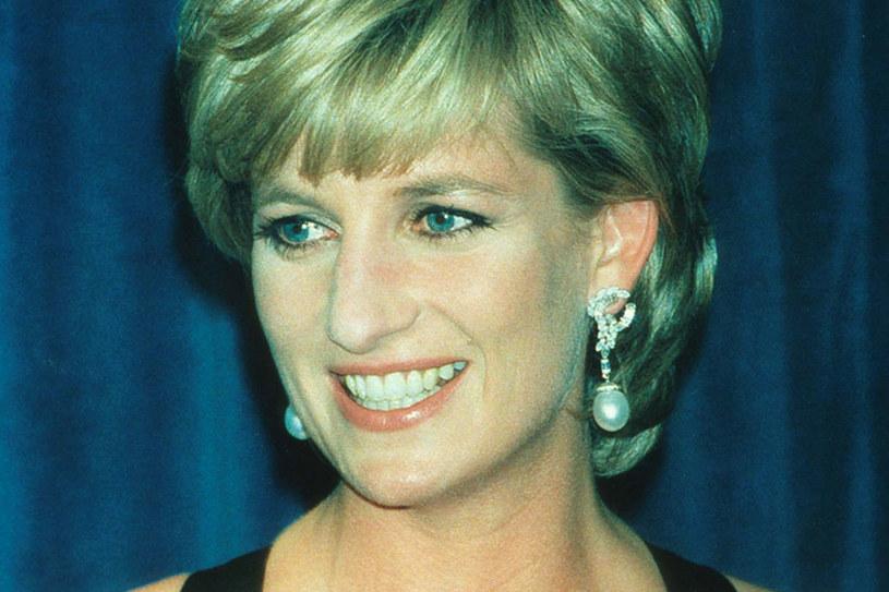 Kiedy zaczęła się spotykać z Hasnatem Khanem, była jeszcze żoną księcia Karola /Getty Images/Flash Press Media