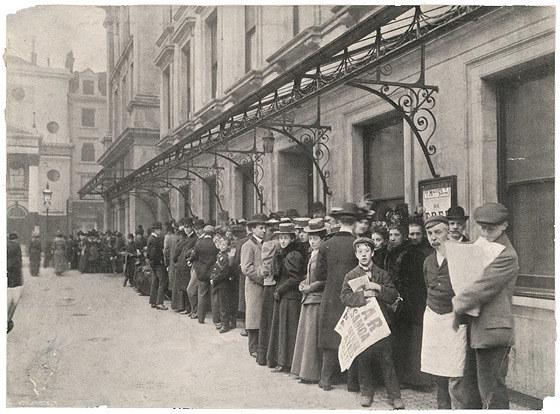Kiedyś, trzeba było się postarać, żeby zdobyć bilet do teatru /Agnieszka Lisak – blog historyczno-obyczajowy