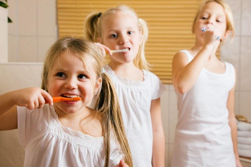 Kiedyś w szkole praktykowano fluoryzację /©123RF/PICSEL