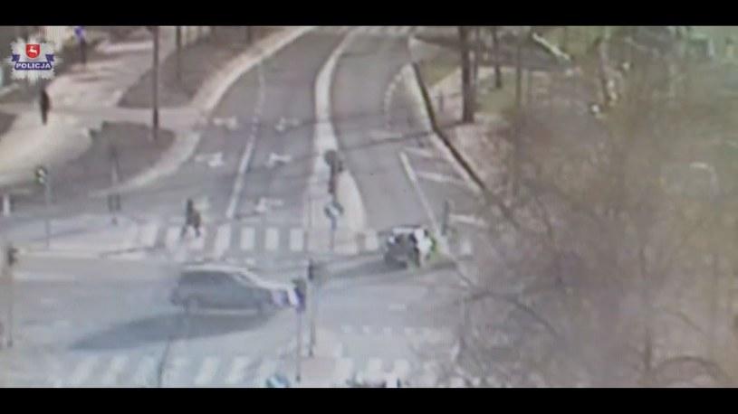 Kierowca nawet nie zauważył, że potrącił pieszą /
