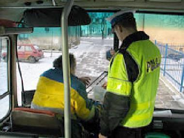 Kierowcy busów nie zaprzeczają, że wożą zbyt wielu pasażerów /RMF