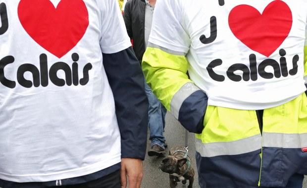 Kierowcy ciężarówek i mieszkańcy protestują w Calais! Zablokowali autostradę