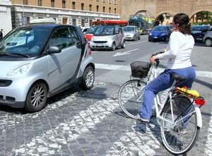 Kierowcy kontra rowerzyści - raport z polskich dróg