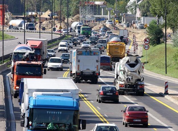 Kierowcy płacą opłatę paliwową i za autostrady. To za mało? / Fot: Wojciech Traczyk /East News