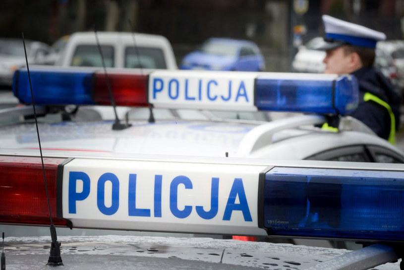 Kilka dni temu do policji dotarło zawiadomienie, że chłopiec jest ofiarą przemocy. /Piotr Kamionka /Reporter