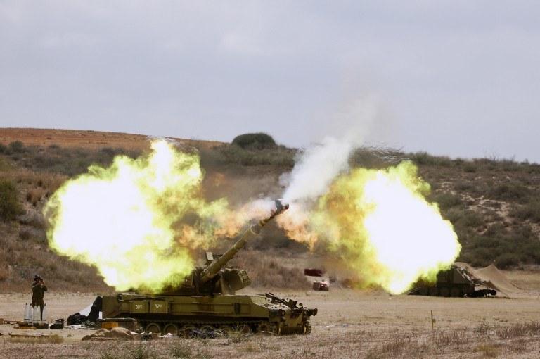 Kilkanaście godzin temu izraelskie czołgi wjechały do Gazy /AFP