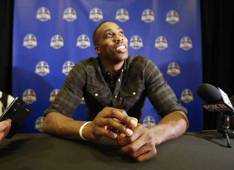 Kilkumiesięczna przerwa czeka jedną z gwiazd NBA Dwighta Howarda /ERIK S. LESSER /PAP/EPA