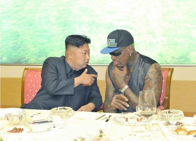 Kim Dzong Un i Dennis Rodman /RODONG SINMUN  /PAP/EPA