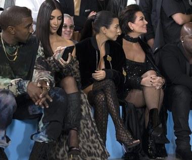 Kim Kardashian napadnięta w Paryżu. Uzbrojeni bandyci wdarli się do jej pokoju