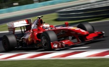 Kimi Raikkonen liczy na swój dobry występ w Walencji /AFP