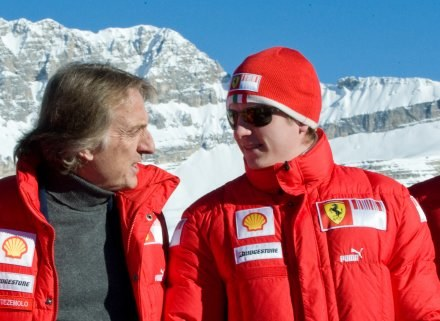 Kimi  Raikkonen  (z prawej) /AFP