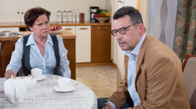 """""""Klan"""": Leszek (Artur Dziurman) z siostrą, Krystyną (Agnieszka Kotulanka) /Agencja W. Impact"""