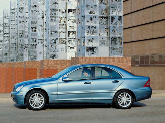 Klasa C: nastawnik wałka rozrządu cieknie w wersji 180 K. /Mercedes
