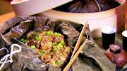 Kleisty ryż owinięty w liście lotosu