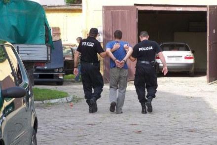 Kliknij /Policja