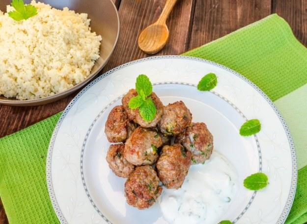 Klopsiki z mięsa mielonego to sposób na szybki i prosty obiad /123RF/PICSEL