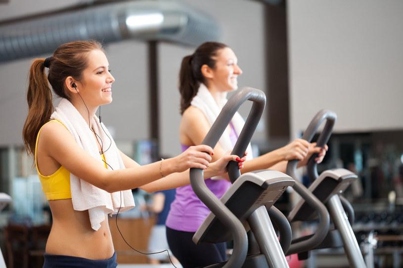Kluczem do zdrowszego serca jest w średnim wieku odpowiednia dawka ćwiczeń w odpowiednim momencie /123RF/PICSEL