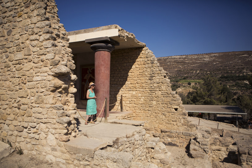 Knossos nieustannie przyciąga turystów /The New York Times Syndicate