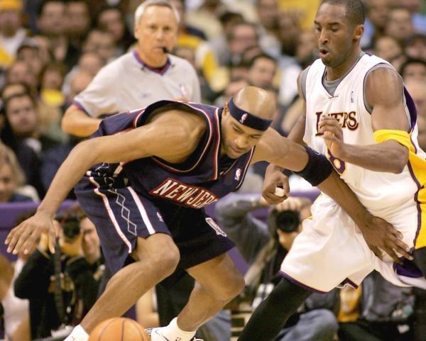 Kobe Bryant dwoił się i troił, ale i tak wygrali Nets /AFP