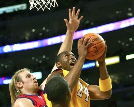 Kobe Bryant zdobył 40 punktów w starciu z Clippers /AFP
