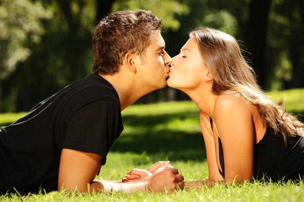 Kobieta kocha inaczej niż meżczyzna /123/RF PICSEL