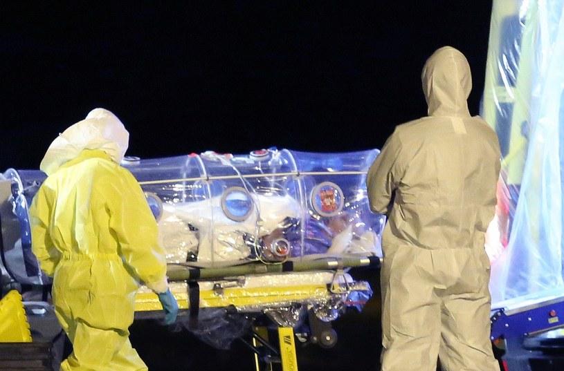 Kobieta opiekowała się cierpiącym na ebolę hiszpańskim duchownym /AFP
